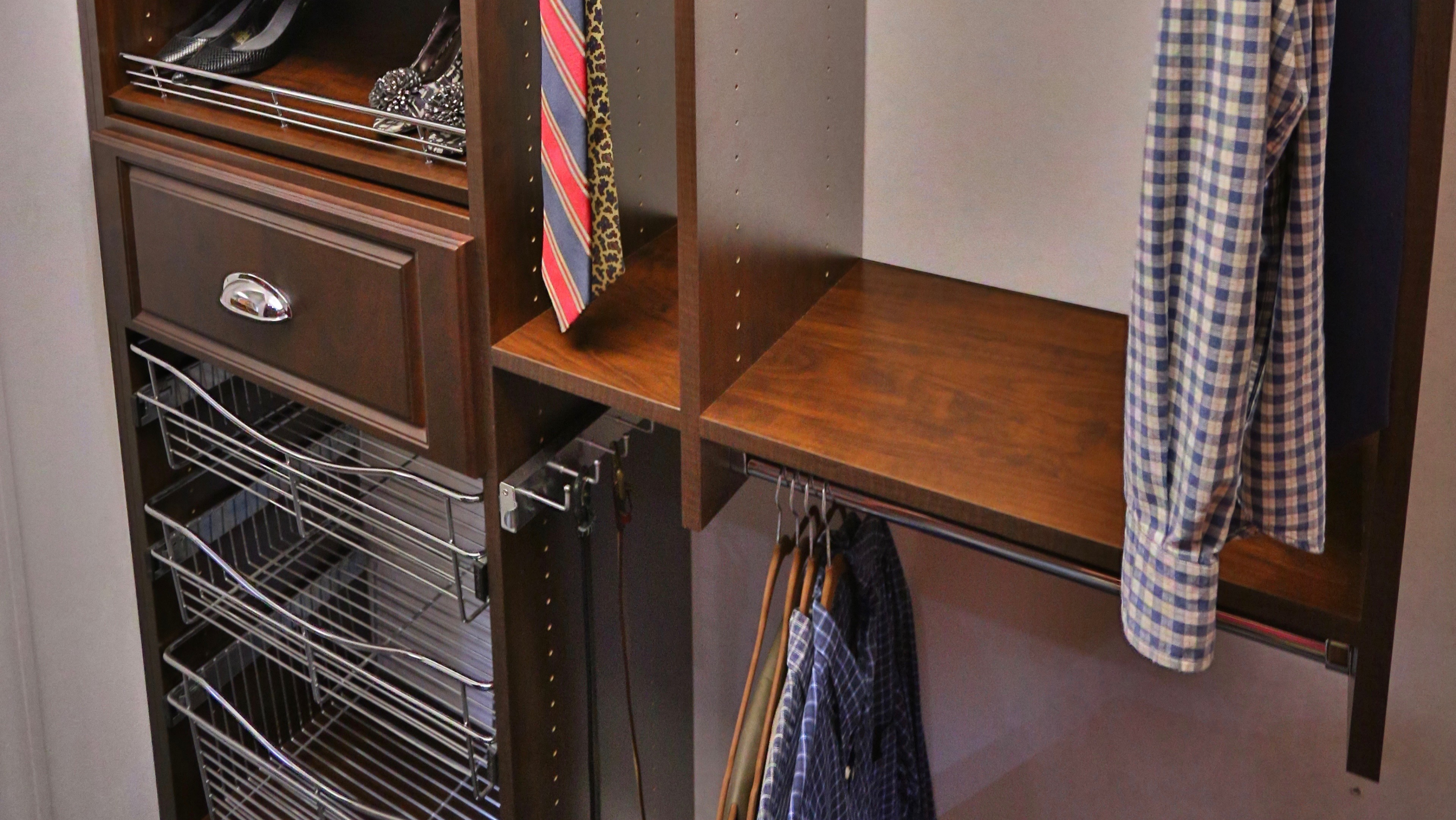 Closet-Pull-out-Racks