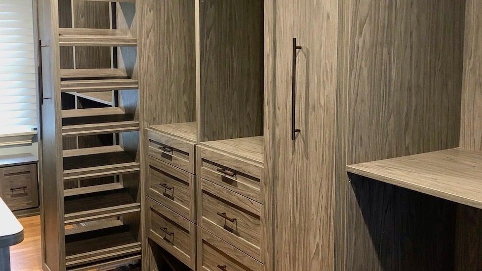 walk-in-closet-dressing-room-shoe-storage copy-1