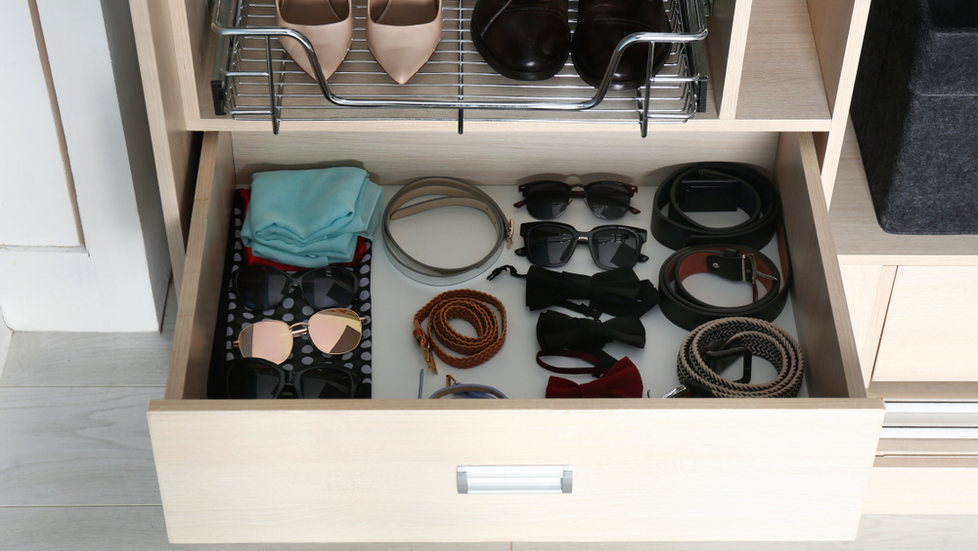 Shoe-Racks-and-closet-accessory-storage