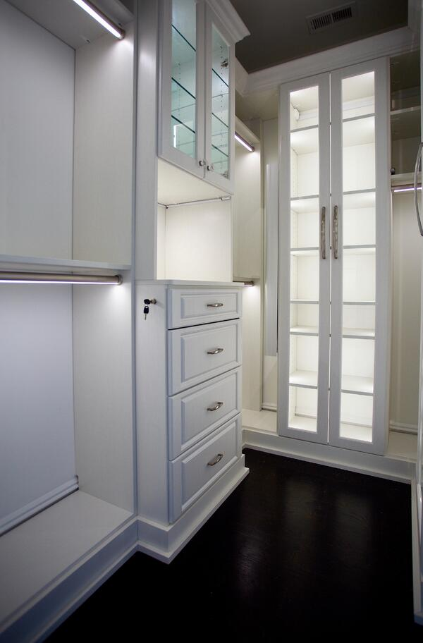 good-closet-lighting