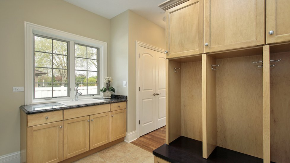 mudroom-built-in-with-counter-and-sink