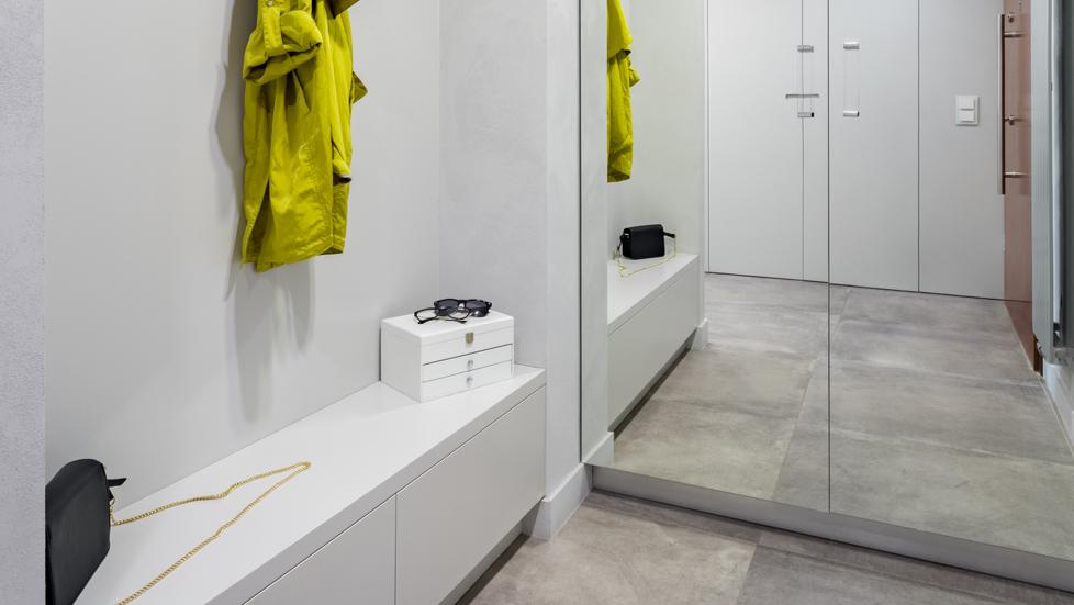 daily-convenience-entryway-storage