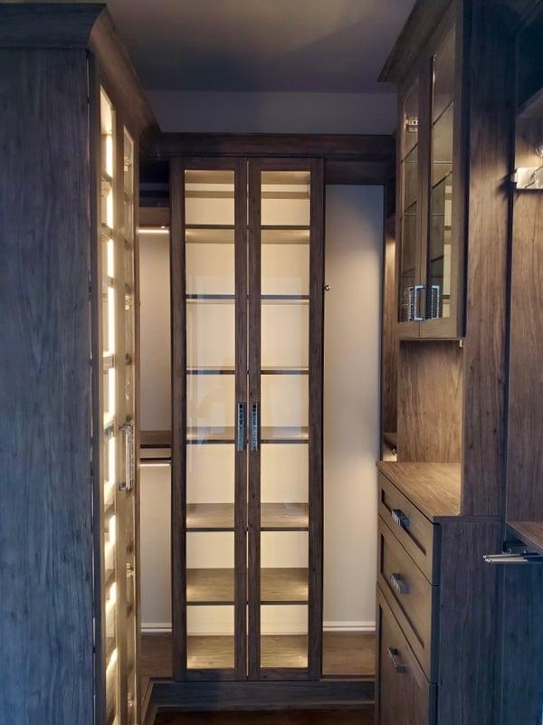 walk-in-closet-dark-lighting