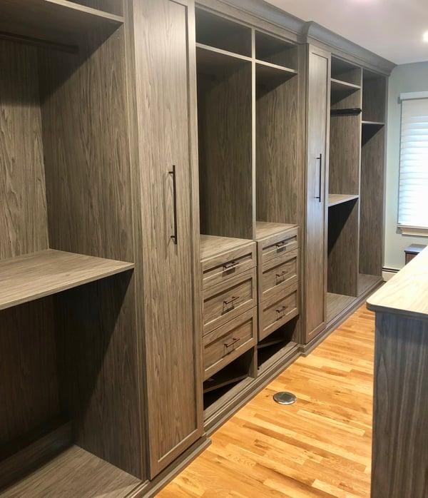 walk-in-closet-dressing-room
