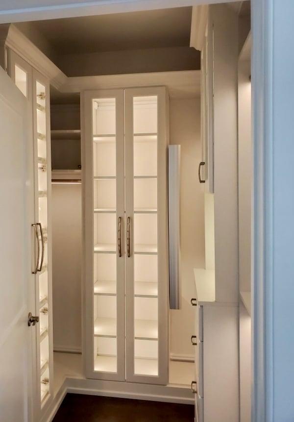 walk-in-closet-light-lighting